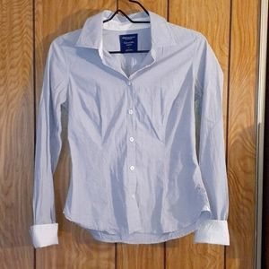 American Eagle ladies button up blouse